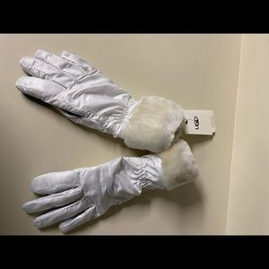 UGG Shearling Cuff Fur Lined Tech Gloves Size S/M